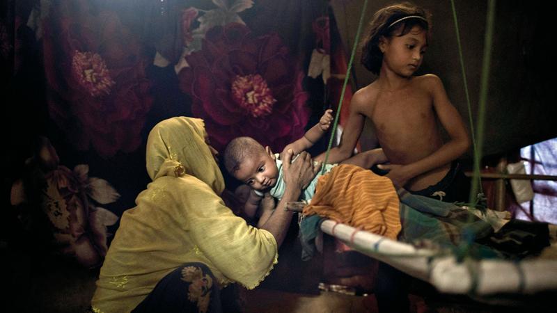 سيدة من الروهينغا تعرضت للاغتصاب من قبل ستة جنود بورميين على حد زعمها تعرض قضيتها الآن أمام الجنايات الدولية.  أ.ب