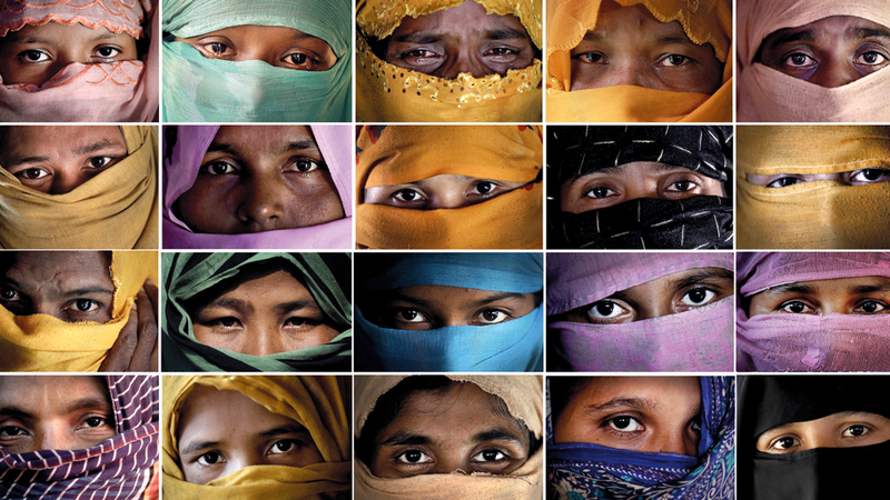 صور مجموعة من نساء الروهينغا اللاتي ادعين تعرضهن للاغتصاب من قبل القوات البورمية في مقابلة مع وكالة «أسوشيتد برس» داخل معسكري كوتوبالونغ وغوندوم ببنغلاديش عام 2017، ينتظرن الآن الإنصاف من محكمة الجنايات الدولية.  أ.ب