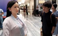 الصورة: «مدام وي».. روبوت يرحّب بالضيوف  في فندق فاخر