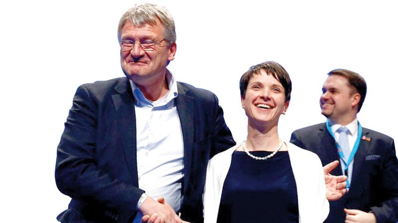 اليمين المتطرف Picture: اليمين المتطرّف يقلب الحياة السـياسية الألمانية رأساً على