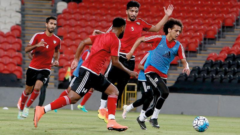 المنتخب الوطني يعتمد بصورة كبيرة على لاعبي العين وشباب الأهلي. تصوير: نجيب محمد