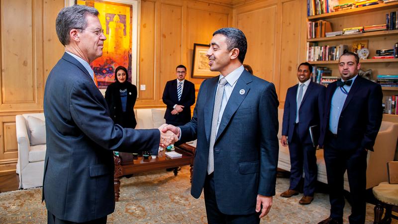 عبدالله بن زايد يلتقي عدداً من كبار المسؤولين الأميركيين في نيويورك. وام