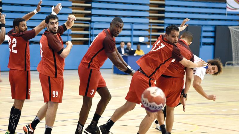 كرة اليد من الألعاب التي لا تحظى بشعبية كبيرة مقارنة بكرة القدم. الإمارات اليوم
