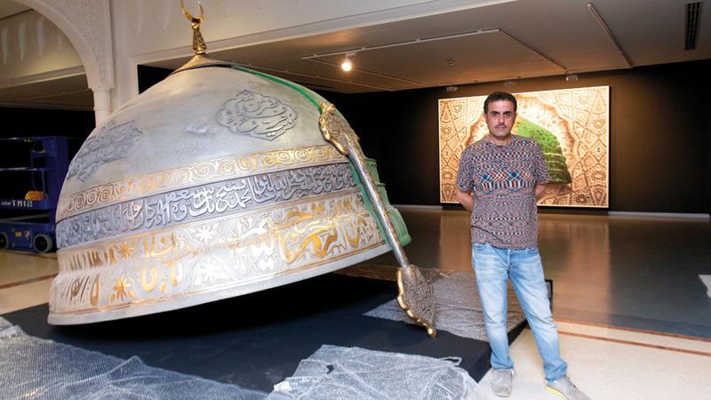 عبدالناصر غارم استطاع أن يحفر اسمه في عالم الفن التصوري. تصوير : أحمد عرديتي