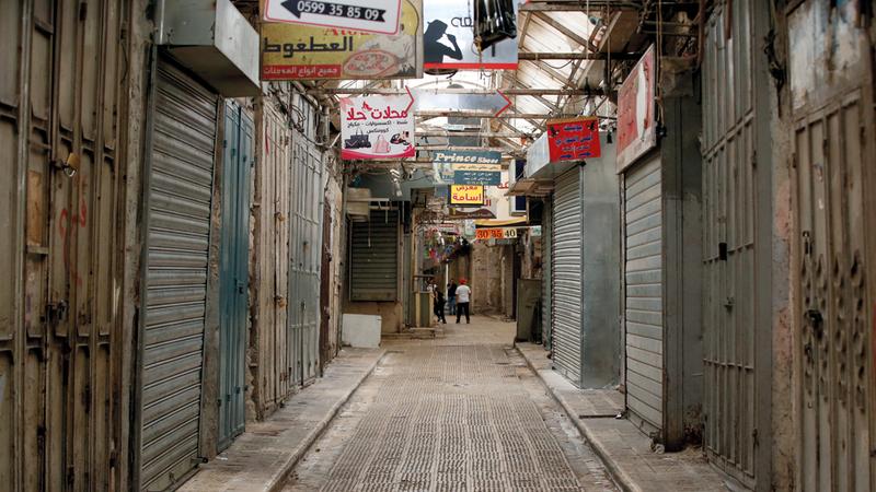 محال البلدة القديمة في نابلس مغلقة بسبب الإضراب. إي.بي.إيه