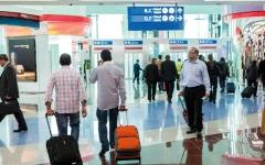 الصورة: التغطية التأمينية تحمي المسافر في حالات تأخّر الرحلات وفقدان الأمتعة