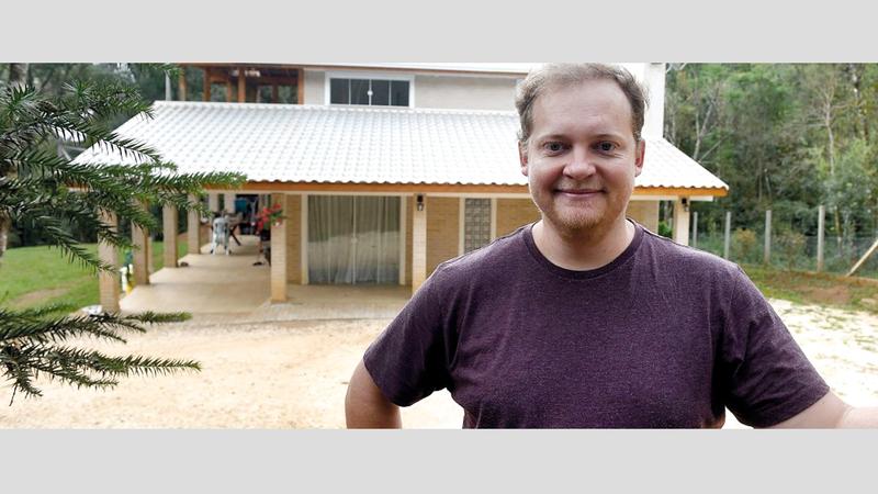 إيفاندرو استعان أيضاً بابن عمه المهندس المعماري.  أرشيفية