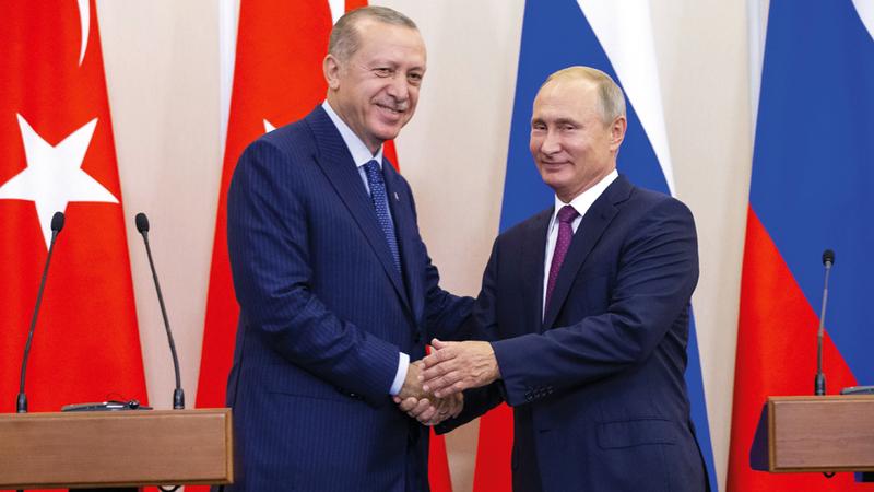 بوتين وأردوغان بعد توصلهما إلى اتفاق إدلب الذي إن كانت له فوائد مؤقتة إلا أنها ستخدم الغرض المرجو منه.  أ.ب