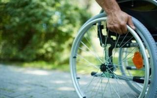 الصورة: اكتشاف جديد يعيد مرضى الشلل من الكراسي المتحركة للمشي