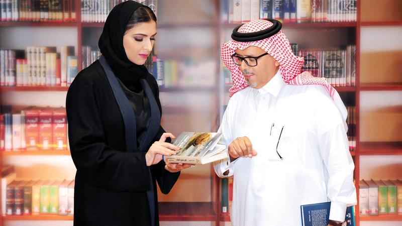 «أبوظبي تترجم» تقدمه أميرة محمد ويستضيف سعد البازعي. من المصدر
