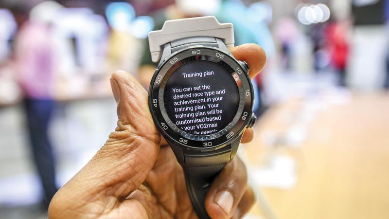 الأجهزة القابلة للارتداء من المنتجات ذات الطلب المرتفع خلال «جيتكس شوبر». تصوير: أشوك فيرما