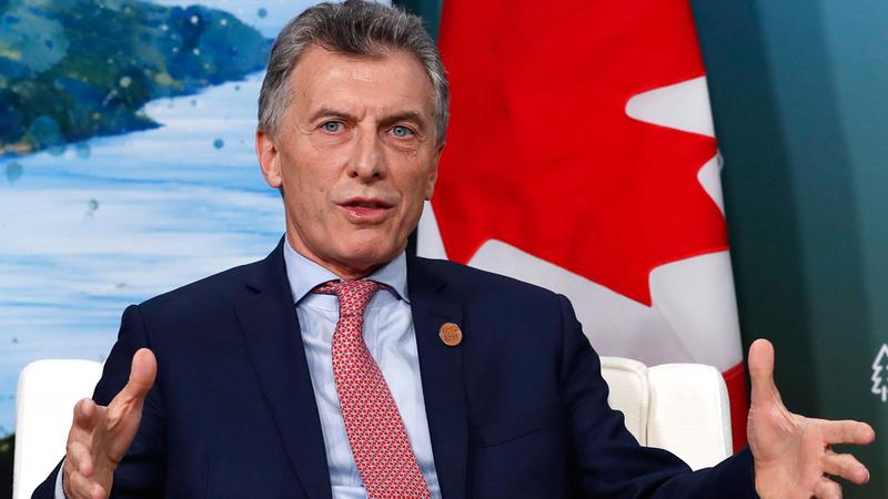 الرئيس الأرجنتيني يسعى لانتشال البلاد  من الأزمة الاقتصادية.  رويترز