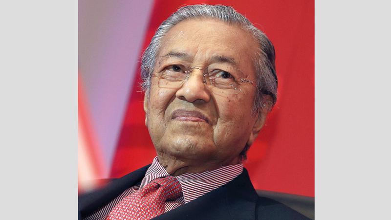 رئيس الوزراء الماليزي استطاع أن يصعد إلى السلطة بفضل فساد رئيس الوزراء السابق. إي.بي.إيه