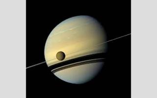 الصورة: القمر «تيتان».. مكان مناسب للحياة خارج كوكبنا