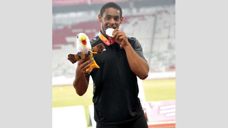 محمد الكعبي فاز بفضية ألعاب القوى.  من المصدر