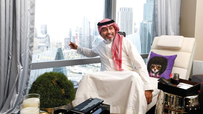 محمد أديب قطب:  «محظوظ بإقامتي في برج خليفة، والسكن هنا  يفوق رفاهية الكثير من الفنادق حول العالم».