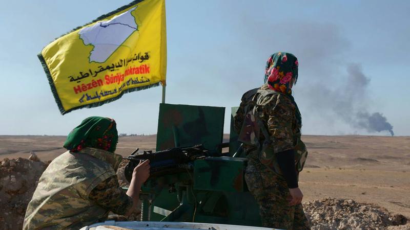 قوات سورية الديمقراطية تواجه صراع نفوذ مع القوات الإيرانية وتنظيم «القاعدة» في سورية.  أرشيفية
