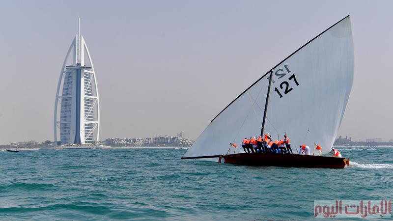 تشهد شواطئ دبي سباق القوارب الشراعية، والتي تمتد حتى 20 أكتوبر 2018م والتي تنظمها نادي دبي الدولي للرياضات البحرية.