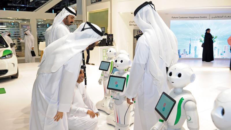 الإمارات جاءت في المرتبة السادسة عالمياً في «الاستعداد التكنولوجي». تصوير: أحمد عرديتي