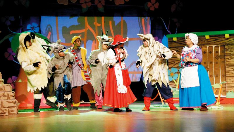 المهرجان يوفر فرصة لاستمرار عطاء الفرق المسرحية.  الإمارات اليوم