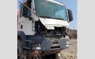 الصورة: فقدان سائق عربي في وادي القور جرفته مياه الأمطار