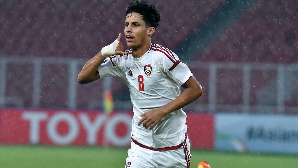نجم المنتخب الوطني للشباب (تحت 19 سنة) علي صالح يحتفل بتسجيل هدف الفوز على المنتخب القطري 2-1 في نهائيات كأس آسيا لكرة القدم المقامة حالياً في جاكرتا. من المصدر