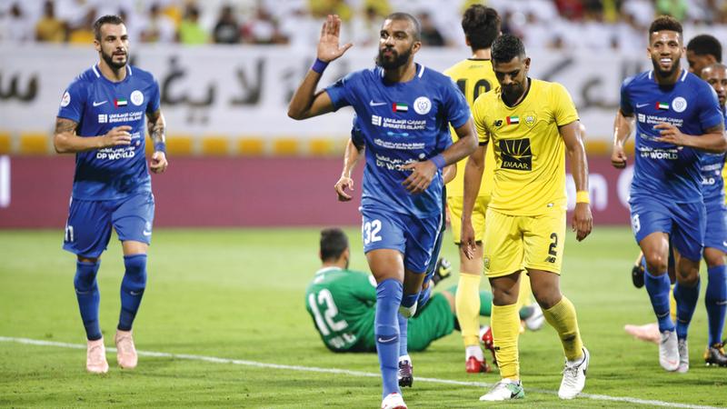 وقع الهزيمة من النصر كان قاسيا على لاعبي الوصل أول من أمس. تصوير: مصطفى قاسمي
