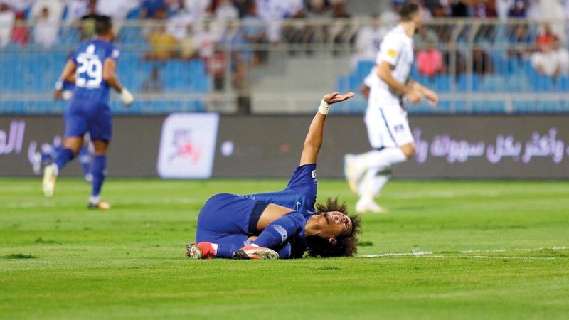 «عموري» تعرض للإصابة خلال مباراة الهلال والشباب في الدوري السعودي. من المصدر