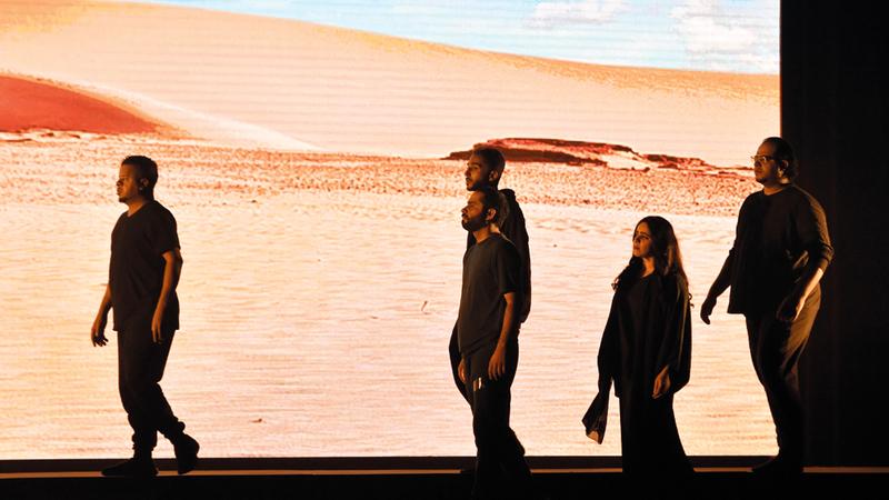 من عرض افتتاح الدورة الماضية لمهرجان دبي لمسرح الشباب. تصوير: مصطفى قاسمي