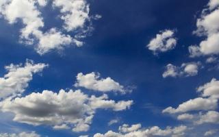 الصورة: «الأرصاد»: الطقس رطب حتى الإثنين.. وضباب على مناطق متفرقة