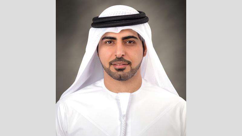 محمد بن صقر النعيمي: «تخصيص موظف للإشراف المباشر على تنفيذ المبادرات والمشروعات المخصّصة لكبار المواطنين».