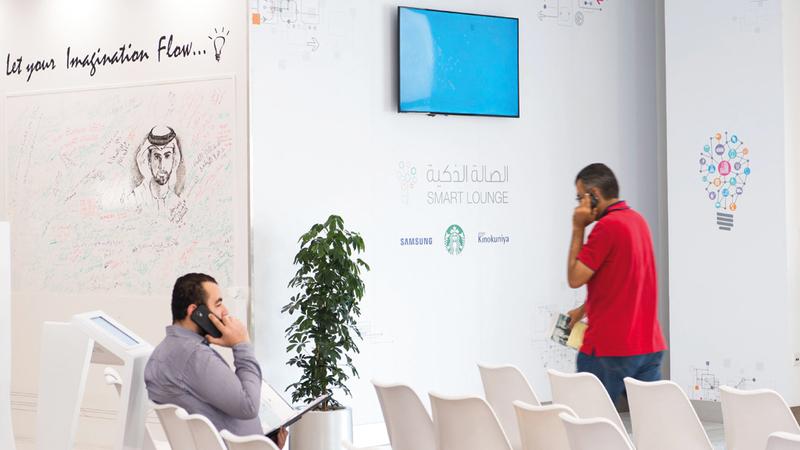 اقتصادية دبي: «خدمات المتسوّق الشخصي» تشمل منشآت تقوم بالتسوق وشراء السلع نيابة عن الآخرين.  تصوير: أحمد عرديتي