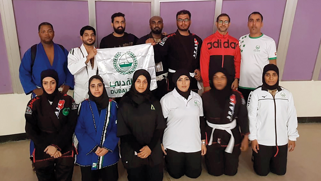 محمد عبدالكريم يشارك في بطولة العين للجوجيتسو ضمن فريق شرطة دبي. من المصدر