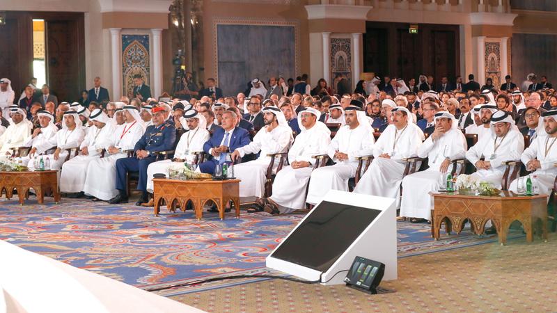 حمدان بن محمد شهد الجلسة الافتتاحية للقمة العالمية للاقتصاد الاسلامي. وام
