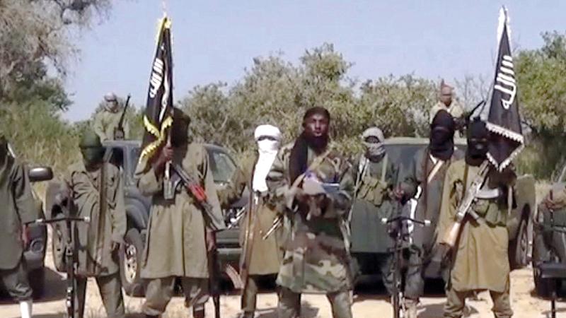«بوكو حرام» التي تحولت إلى «داعش» في إفريقيا قالت إنها نفذت وعودها بعد قتلها امرأتين. أ.ب