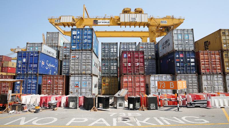 %13 نمواً في تجارة إعادة التصدير خلال 9 أشهر لتصل قيمتها إلى 299.2 مليار درهم. الإمارات اليوم