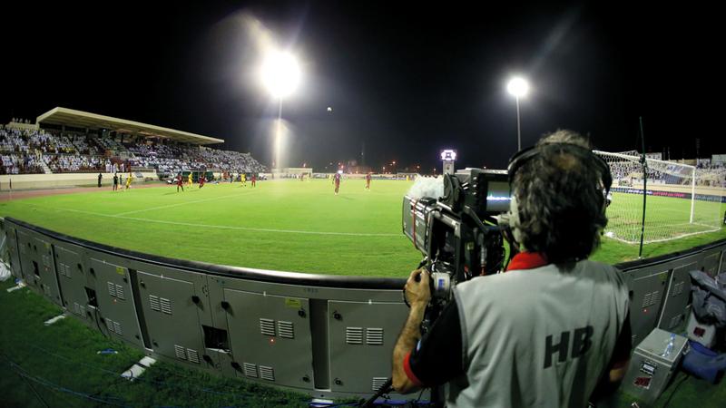 بث المباريات مجاناً سيرفع نسبة مشاهدة الدوري داخلياً وخارجياً. الإمارات اليوم