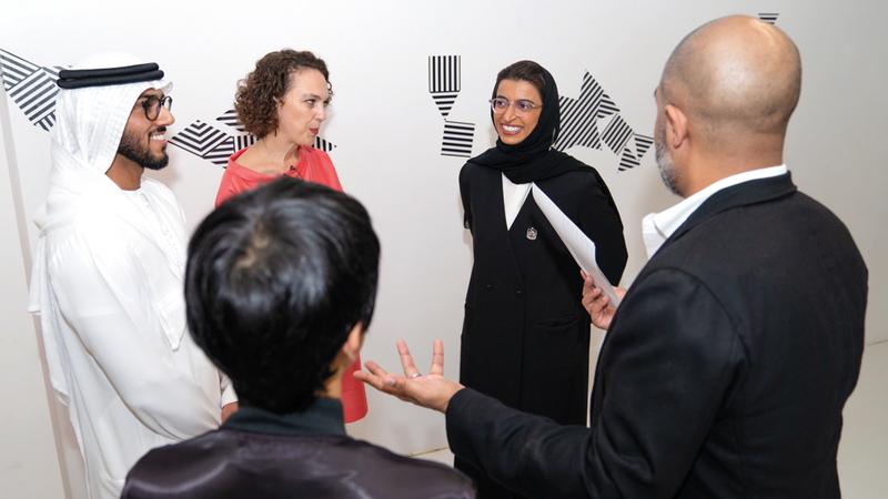 نورة الكعبي خلال افتتاح «بينالي فكرة» في الشارقة. من المصدر