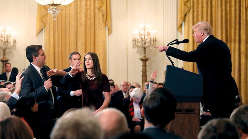 مراسل «سي إن إن» في مواجهة ترامب بالبيت الأبيض. أ.ف.ب