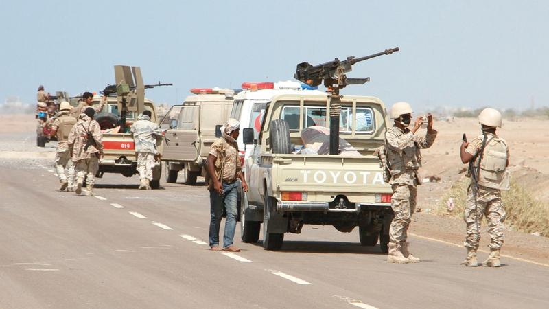 قوات يمنية في إحدى المناطق جنوب المخاء. أ.ف.ب