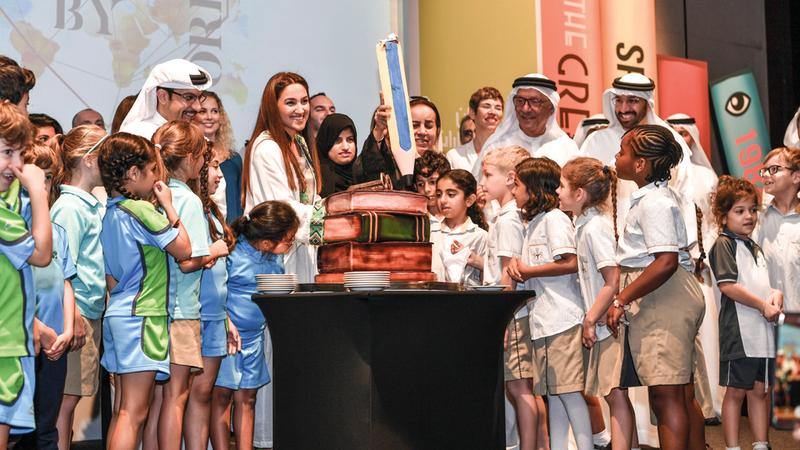 مهرجان طيران الإمارات للآداب منصة للإبداع المحلي والعالمي وملتقى لثقافات العالم.  تصوير: مصطفى القاسمي