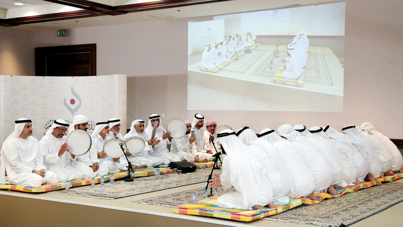 «المالد» قدمت خلاله فرقة الجسمي أشعاراً في مديح الرسول. الإمارات اليوم