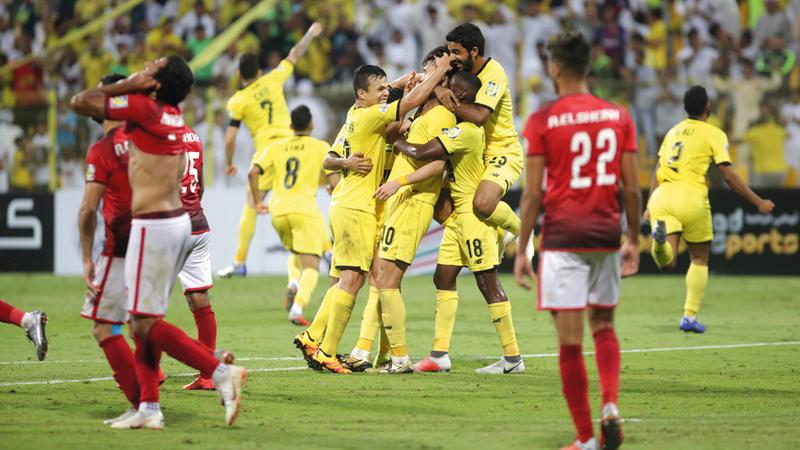 نجوم الوصل يحتفلون بالتأهل على حساب الأهلي المصري. تصوير: مصطفى قاسمي