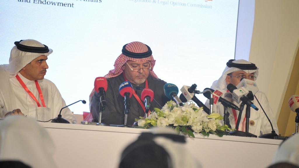 وزير العدل ووزير الاعلام  والرئيس  التنفيذي للانتخابات