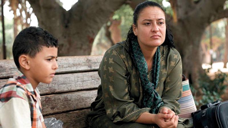 الفيلم توثيق لرحلة طفل مع أمه في حافلة متجهة إلى الرباط.  أرشيفية