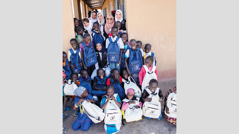 وفد المبادرة وزع هدايا ومستلزمات مدرسية على الأطفال. من المصدر