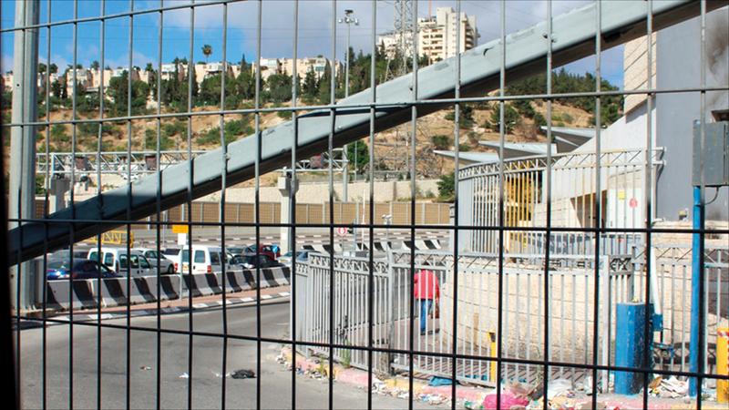شعفاط المخيم الوحيد الذي يقع تحت سيطرة وحكم بلدية إسرائيل في القدس. الإمارات اليوم