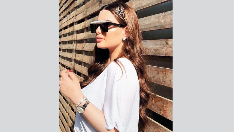 تصاميم ديانا انتشرت خلال فترة قصيرة بين عدد كبير من نجوم الوسط الفني. الإمارات اليوم