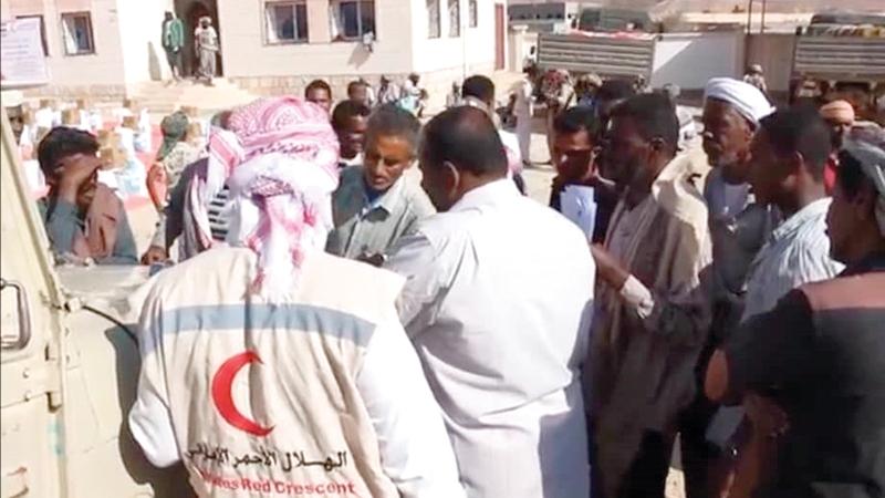 3500 مواطن يمني من الأسر المحتاجة استفادوا من المساعدات.  وام