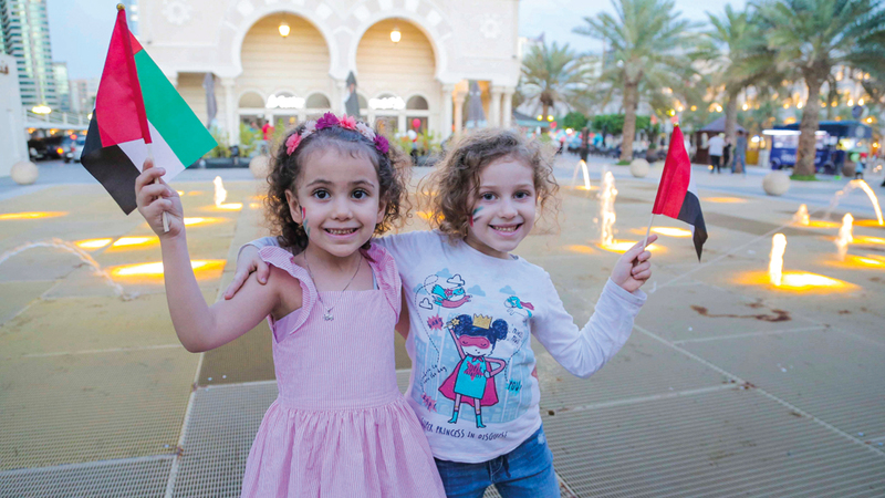 الوجهة تزيّنت بالعلم الإماراتي احتفالاً بالمناسبة الغالية. من المصدر